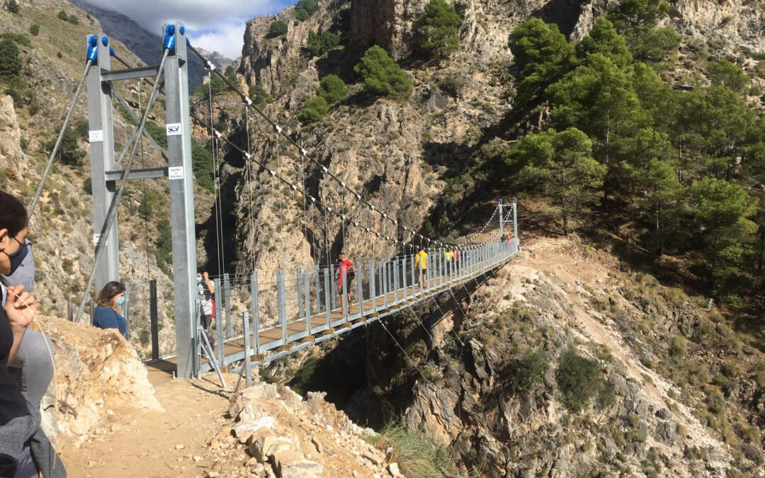 Hikking to the new hanging bridge in Malaga